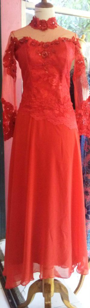 Dress Merah Asimetris