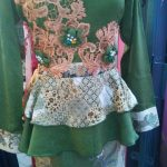 "Dress Batik Cantik Dengan Aplikasi Bunga<span class=""rating-result after_title mr-filter rating-result-315"" >			<span class=""no-rating-results-text"">No ratings yet.</span>		</span>"