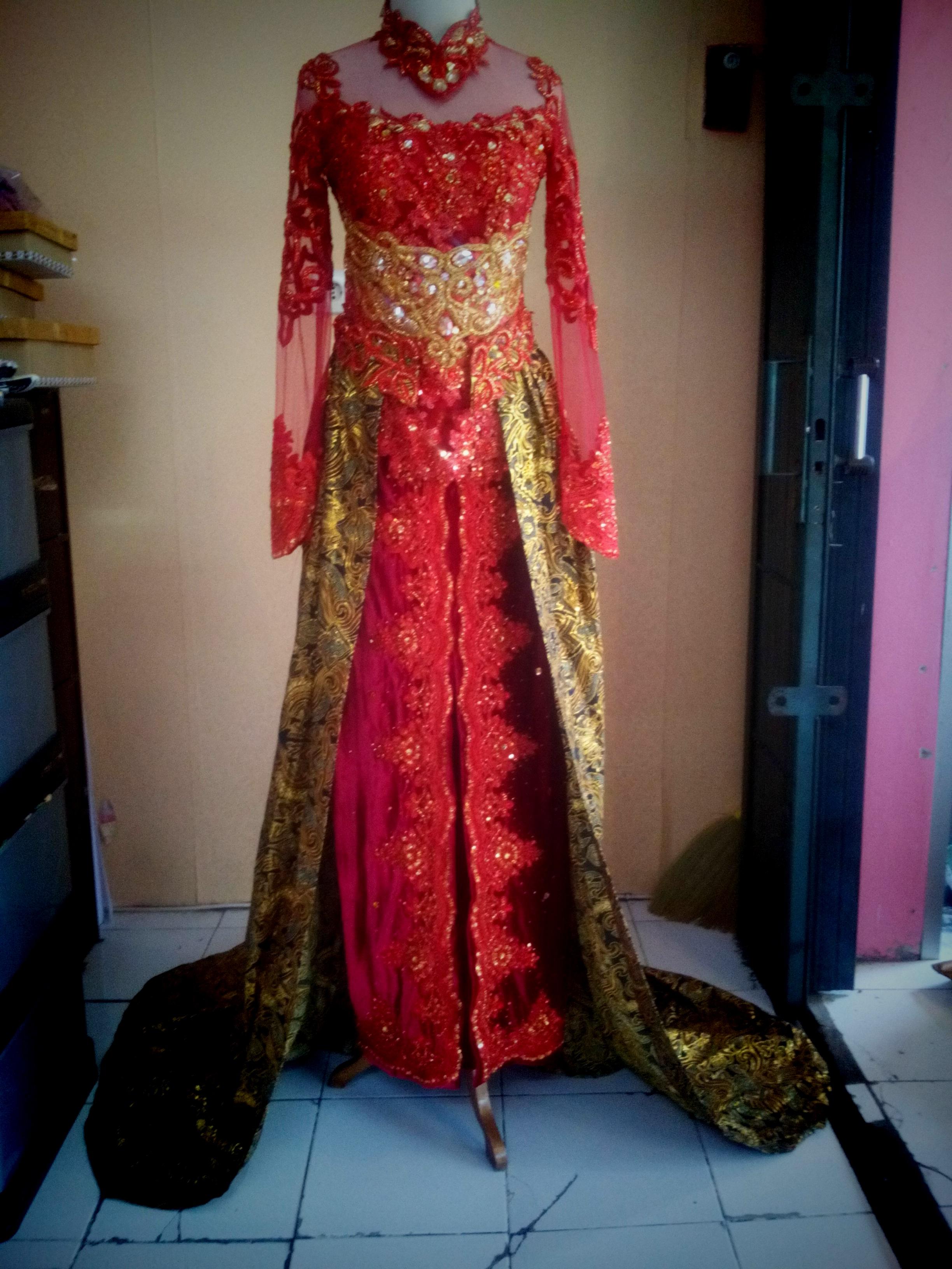 A36 Semi Gaun Marun Gradasi Kebaya Modern Baju Pesta