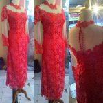 Dress Merah Brocade Kerah Tinggi Vuring