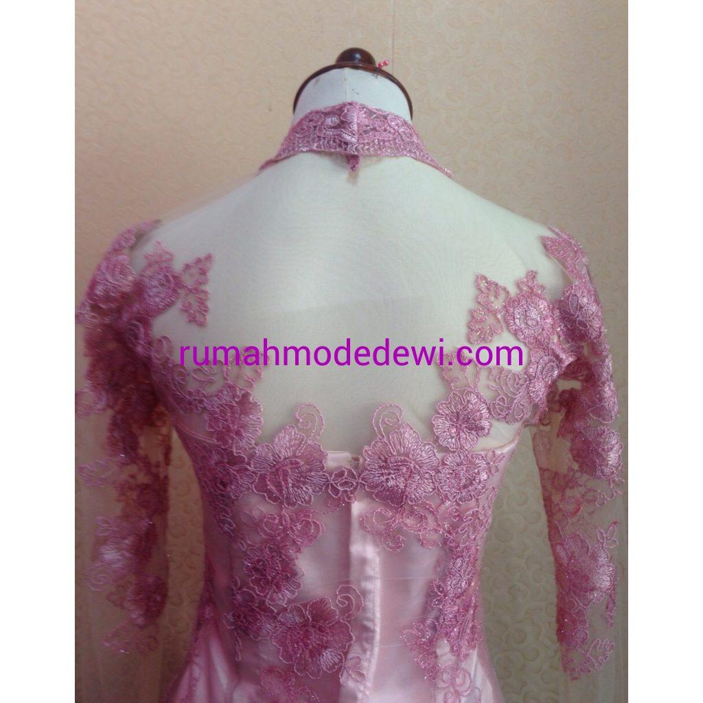 Kebaya Kartini Pink Dengan Rok Syabo Detail Punggung