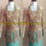 "Kebaya Kerah Rebah Warna Emas<span class=""rating-result after_title mr-filter rating-result-1162"" >			<span class=""no-rating-results-text"">No ratings yet.</span>		</span>"