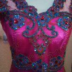 Kebaya Kombinasi Shocking Pink Dan Hijau Tosca Payet Tampak Depan