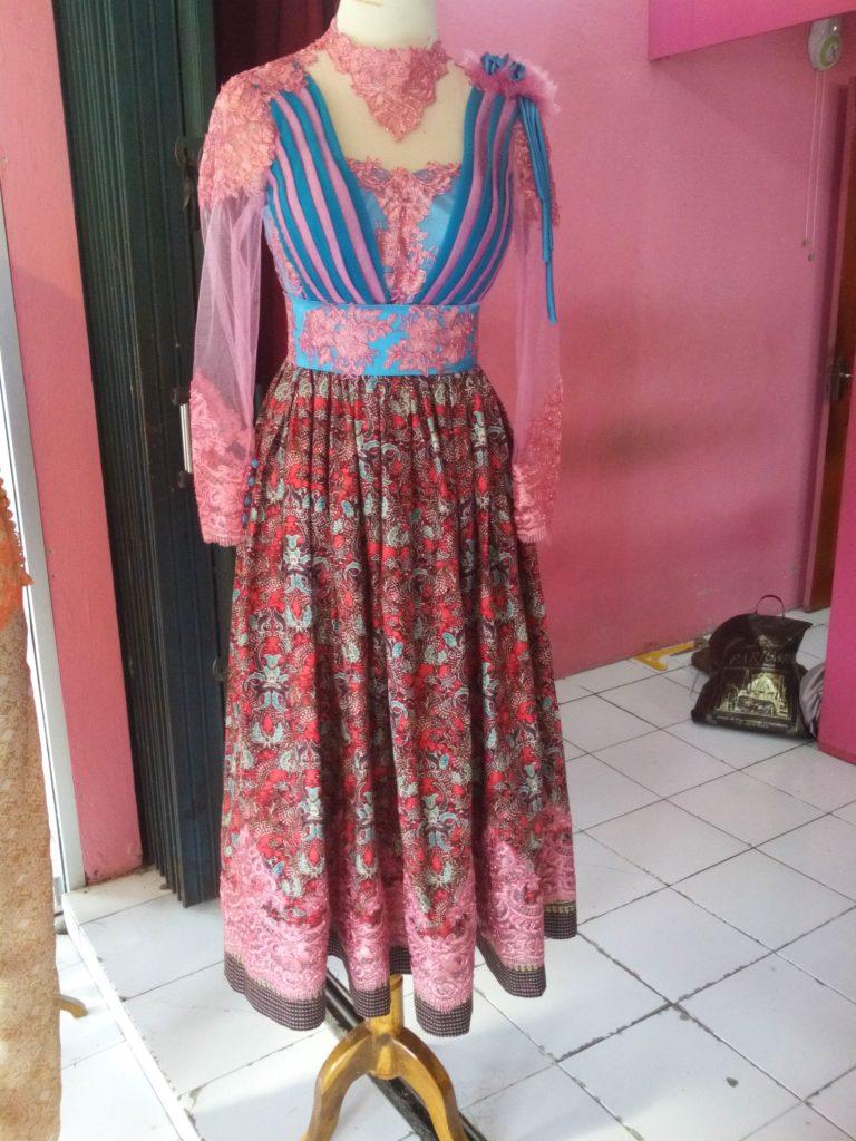 Dress Tille Batik Pink Biru Aplikasi Offneisel Full