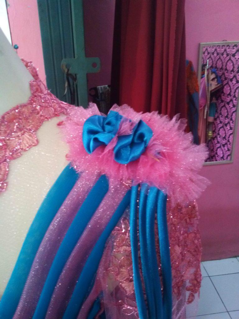 Dress Tille Batik Pink Biru Aplikasi Offneisel Detail