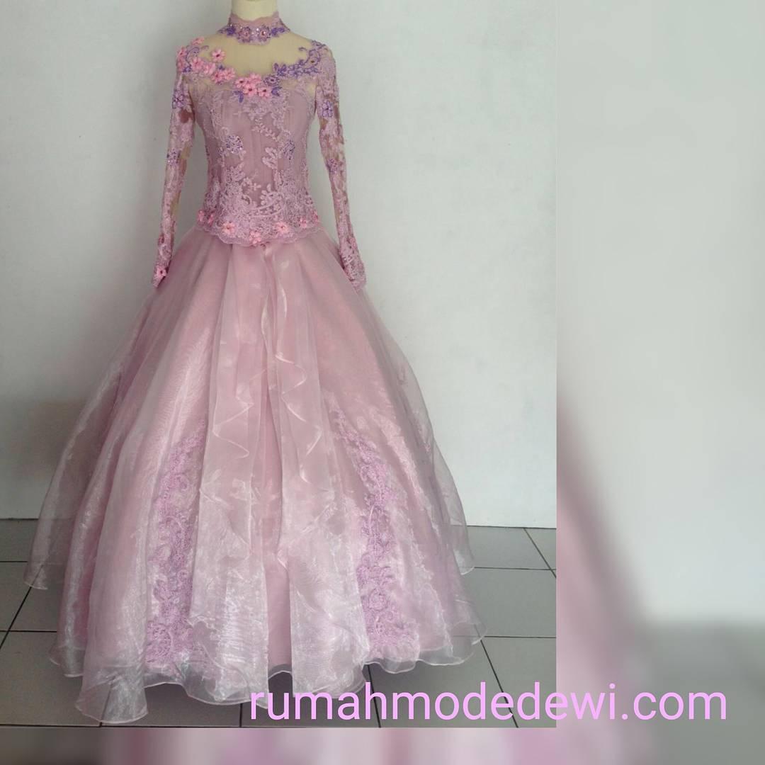 Kebaya Pengantin Warna Pink Dengan Gown